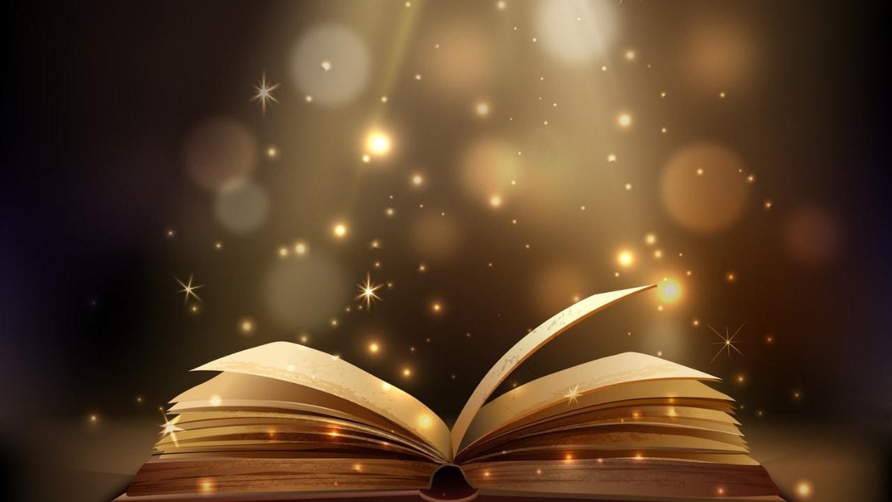 本が光っている画像