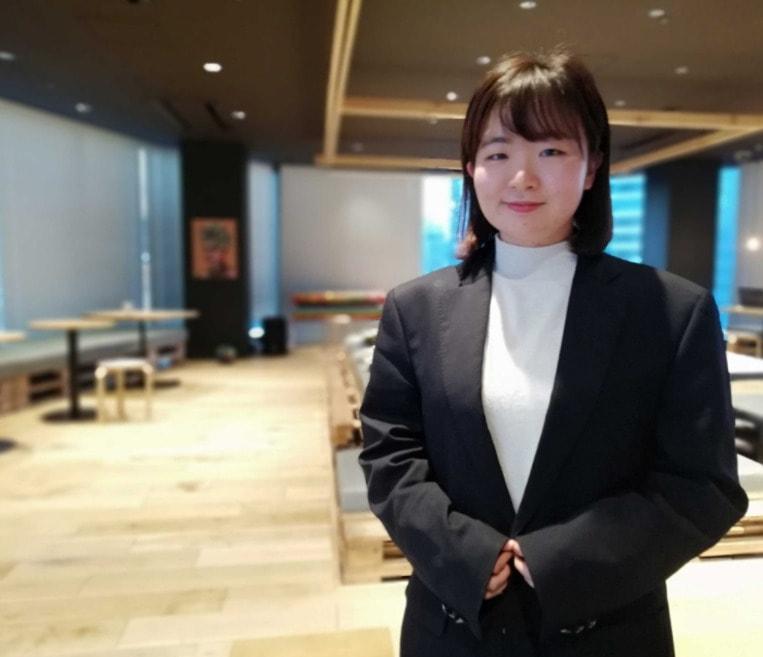 山田先生(最終学歴:学習院大学商学部)